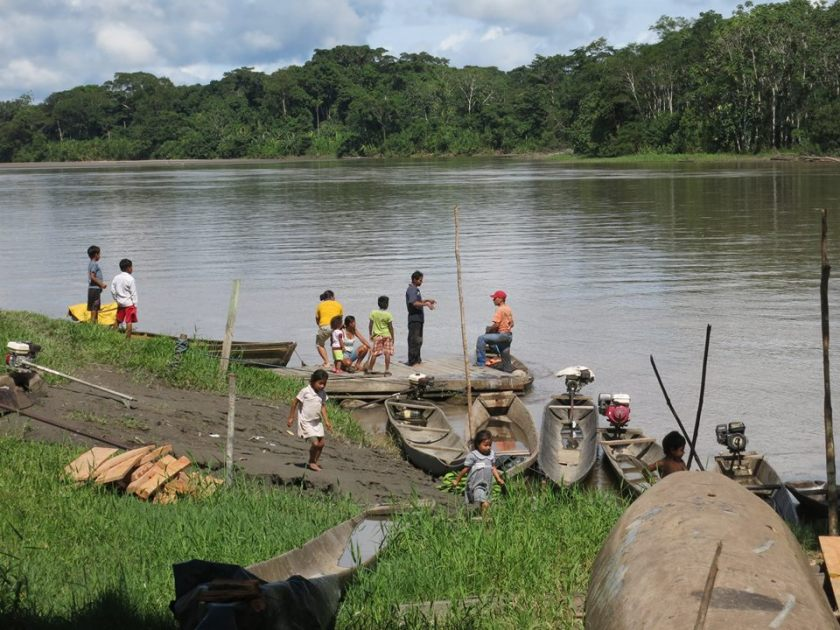 Dorf am Fluss