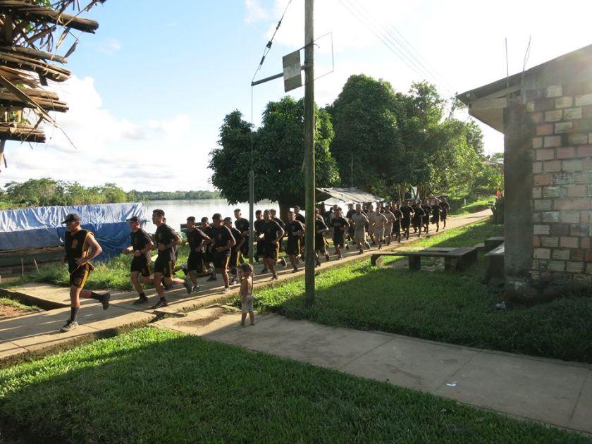 Täglicher Rundlauf des Militärs in Pantuja