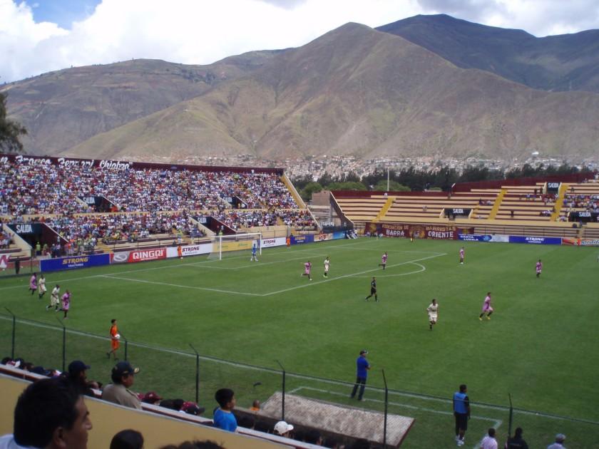 Fussball im Stadion von Huánuco