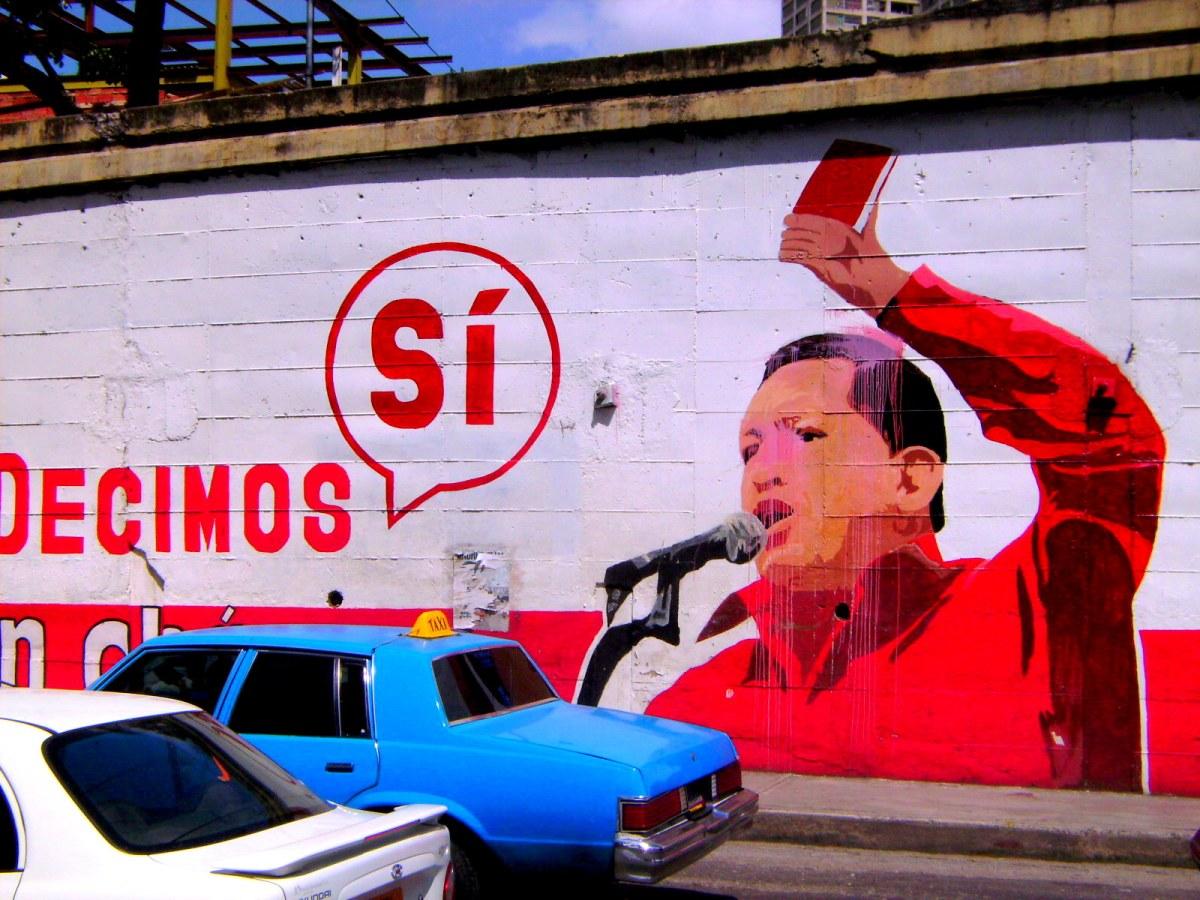 Chavez, Caracas, Decimos Si